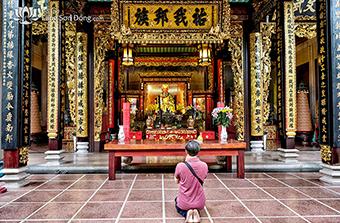 Ý nghĩa số lần vái lạy trong văn hóa thờ cúng của người Việt