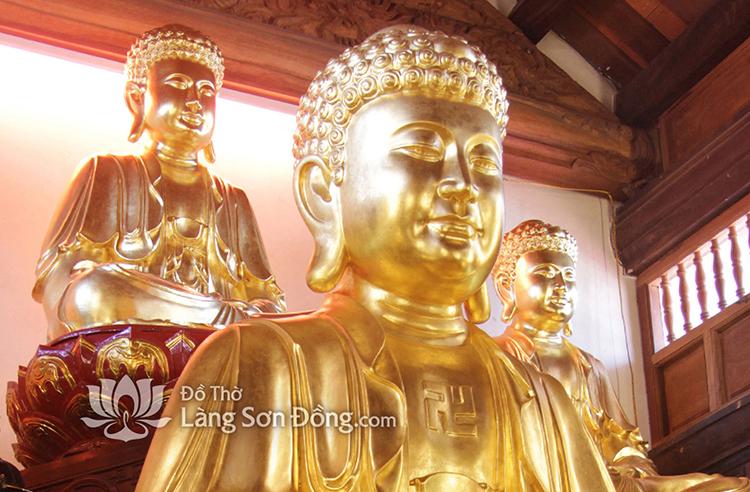 Đức Phật A Di Đà người soi đường chỉ lối cho dương gian